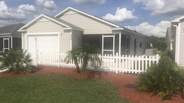 ID#1098 - Cancellation: Renters purchased a home in The Villages - Available now for Jan/ Feb 2021 - Rates reduced $ 200.00 per month from posted rates -2 BED/2 BATH W/GOLF CART, WIFI & Cable, BETWEEN SUMTER LANDING & BROWNWOOD! -Nov. & Dec. also 2020 Available