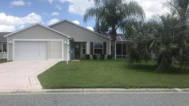 ID#1186 - New listing - Available Jan-Feb-Mar 2020 - Multiple months given discount rates - In the heart of Buttonwood - 3 bed/2 bath w/Hot tub- Pet friendly - Between Sumter Landing & Brownwood