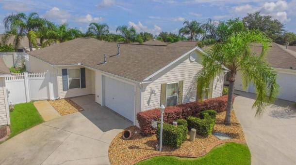 ID#1313 - APRIL AVAILABILITY! Beautiful Villa by Lake Sumter Landing